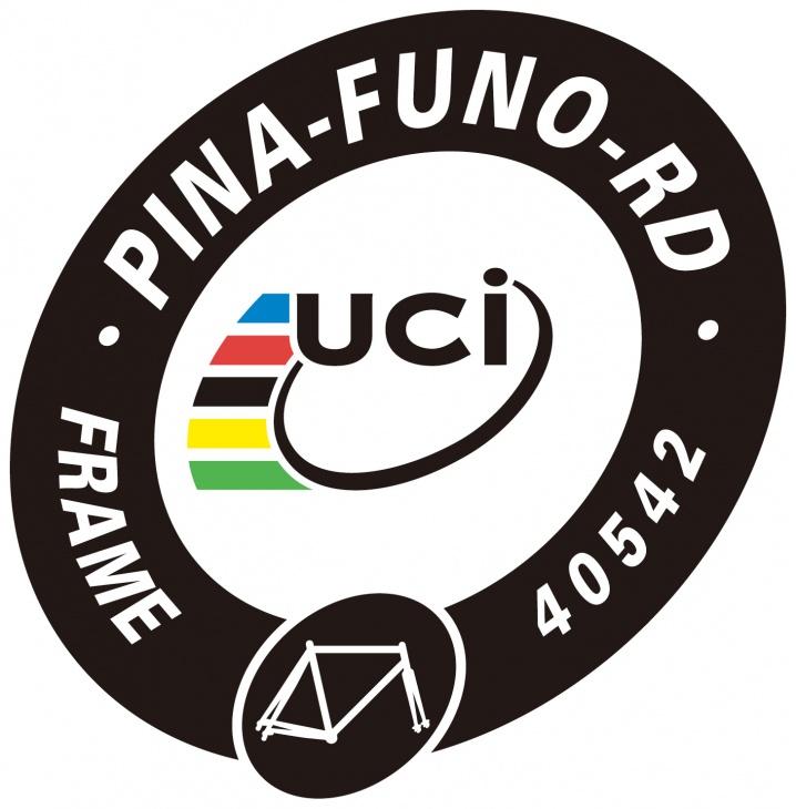 tem UCI tren khung xe dap